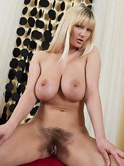Vanessa Hairy Blonde Porn-pic1072