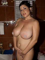 Bbw big boobs bath
