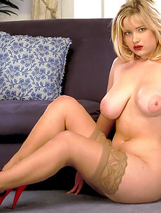 Hot chubby big tits
